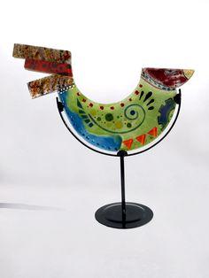 PajarOH! de Eduardo Naveira Modern Stained Glass, Fused Glass Art, Mosaic Tile Art, Mosaics, Glass Artwork, Glass Animals, Pottery Designs, Looks Cool, Bird Feathers