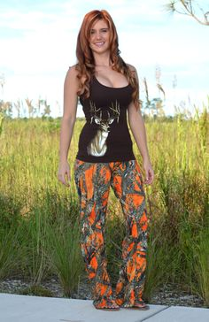 For a fashionable line of women's ladies and plus size clothing this is your hottest pick. The orignal deer hunting dress and heart antler clothing Country Girls Outfits, Country Girl Style, Country Fashion, My Style, Country Music, Hair Style, Orange Camo Pants, Pink Camo, Women's Camo
