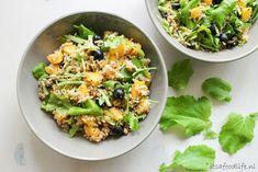 Wat moet je maken met raapstelen? Deze maaltijdsalade met raapsteeltjes en rijst is een lekker idee, al zeg ik het zelf. Ook erg lekker voor bij de BBQ!