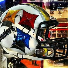I want this in my dream man cave. Pitsburgh Steelers, Steelers Helmet, Here We Go Steelers, Steelers Stuff, Cool Football Helmets, Football Gear, Football Uniforms, Football Tailgate, Sports Helmet