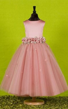 4b26272fa Attractive Ball Gown Ankle-length Round-neck Flowers Embellishing Flower  Girl DressThe guide to Lace Wedding Dresses. Here's essential information  on Lace ...