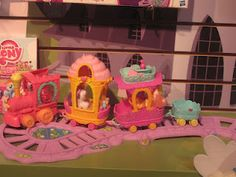 There are train sets for boys, and now girls have one, too. Thank My Little Pony!