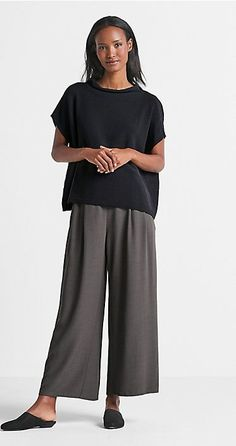 Shop women's casual clothing that effortlessly combines timeless, elegant lines with eco-friendly fabrics from EILEEN FISHER. Look Fashion, Fashion Outfits, Womens Fashion, Fashion Design, Fashion Tips, Fashion Boots, Fashion Trends, Eileen Fisher, Comfortable Outfits