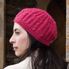 Be ready for fall with this free knitting pattern for this cute beret.