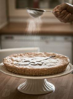 Tarta de Santiago or St. Sugar Free Desserts, Vegan Dessert Recipes, Almond Recipes, Just Desserts, Cake Recipes, Pie Shop, Light Cakes, Healthy Cake, Almond Cakes