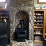 Newest Images Pellet Stove alcove Popular Pellet cookers are a great way to save cash whilst hot through those lazy winter months during home. Running a. Corner Wood Stove, Wood Stove Hearth, Direct Vent Fireplace, Home Fireplace, Fireplaces, Pellet Stove, Into The Woods, Light My Fire, Wood Storage