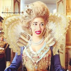 This proves she is the queen, don't question it anymore #mirandaisdequeen