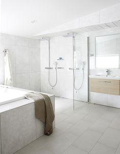 Asuntomessut 2013 - parhaat kylpyhuone- & saunaideat | Avotakka Bathroom Toilets, Bathrooms, Dream Bath, Home Spa, My Dream Home, Modern Decor, Bathroom Ideas, Scandinavian, Bathtub