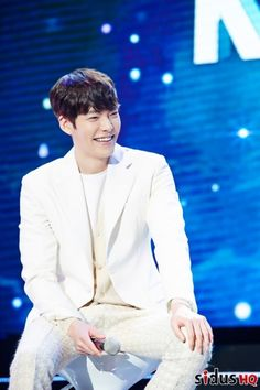25 Charming photos of Kim Woo Bin's visit to Thailand