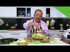 Σαλάτα του Καίσαρα | Ηλίας Μαμαλάκης | Olivemagazine.gr - YouTube Greek Recipes, Guacamole, Salads, Cooking, Ethnic Recipes, Youtube, Magazine, Food, Baking Center