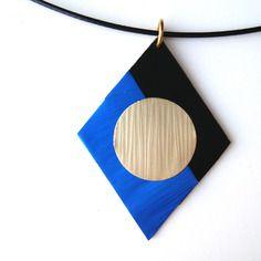 Ras de cou cable noir et et pendentif noir bleu et doré en capsule de café nespresso