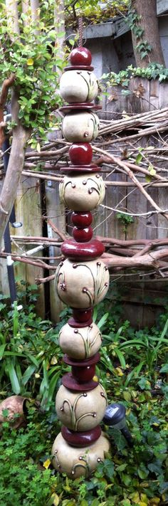 Totem pole for the garden :: Aiyana Pearson Garden Totems, Garden Sculpture, Outdoor Sculpture, Ceramic Pottery, Ceramic Art, Sculptures Céramiques, Pottery Sculpture, Ceramics Projects, Pottery Studio