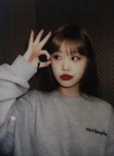 Girl Photo Poses, Girl Photos, Pop Group, Girl Group, K Pop, Korean Girl, Asian Girl, Broken Hearts Club, Hoseok