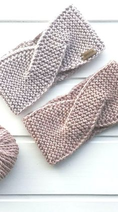 How To Easy Crochet Headband Ideas and Free Patterns 2019 - Page 20 of 32 - Best Knitting Crochet Patterns Knitting Blogs, Knitting Patterns Free, Hand Knitting, Crochet Patterns, Easy Crochet Headbands, Knitted Headband Free Pattern, Bandeau, Knit Crochet, Free Crochet