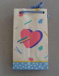80s heart gift bag