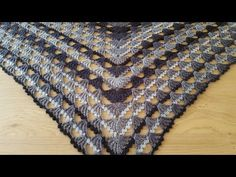 Crocheted shawl making / Knitting models Source by Shawl Patterns, Knitting Patterns, Scarf Drawing, Crochet Baby, Knit Crochet, Crochet Shawls And Wraps, Viking Tattoo Design, Sunflower Tattoo Design, Brazilian Embroidery