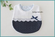 Shadow Smocking How-to Quilt Baby, Baby Bib Tutorial, Baby Life Hacks, First Birthday Dresses, Sewing To Sell, Bib Pattern, Baby Dress Patterns, Baby Sewing Projects, Baby Hands
