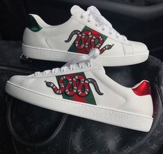 gucci snakes