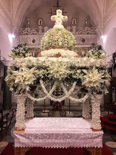 Altar Flowers, Church Flowers, How To Drow, Orthodox Easter, Christianity, Religion, Christmas Tree, Table Decorations, Holiday Decor