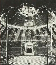 Vintage circus picture - The Big Top Circus Vintage, Old Circus, Dark Circus, Circus Art, Night Circus, Circus Theme, Circus Tents, Big Top Circus, Vintage Carnival