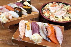 リゾートホテルが立ち並ぶエリアにありながら、良心的な値段とボリューム満点の料理から地元の人にも人気の寿司屋。特に、競りで直接買い付けた近海魚のメニューには定評がある。さらに野菜は自