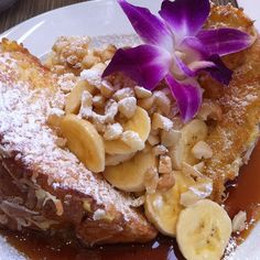 Hawaiian Coconut Sweet Bread French Toast With Banana And Toasted Macadamia Nuts.  Will have to remember this one when we go! #foodporn