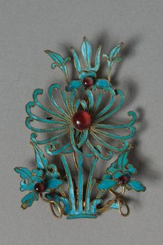 Headdress Ornament, Kingfisher feathers and carnelian, 1800s-1900s China, Qing dynasty (1644-1912)