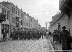 Russian infantry entering Monastir on 19 November 1916
