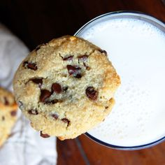 Simple Paleo Chocolate Chip Cookies | Paleo Grubs. This is the easiest recipe I've found for paleo chocolate chip cookies. And they're great!