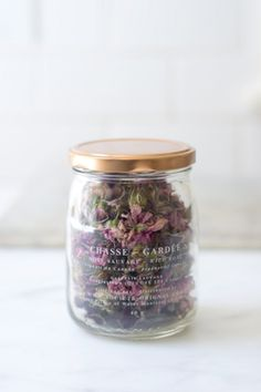 What a gorgeous favour idea...jars filled with homemade pot pourri <3
