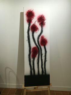 """#art #fallingintonothingness #trytobeanartist    """"Midnight tulips""""   EGII  Seconda opera con rilievo e gioco d'ombre. Vernice spray, rete in pvc, viti metalliche su tela in cotone."""