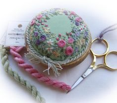 可愛い刺繍の針差し