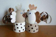 Une petite poulette et un petit coq ... #petitbricolagedeco Egg Crafts, Easter Crafts, Diy And Crafts, Crafts For Kids, Ladybug Crafts, Toilet Paper Roll Crafts, Easter Activities, Easter Celebration, Egg Decorating