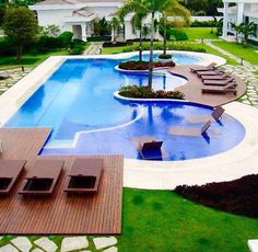 Swimming Pool Design Ideas is based on what can be done with the space in the backyard or garden. A backyard that is too big can be cramped; backyard big Beautiful Minimalist Swimming Pool Design Ideas In Backyard on Small Space on Budget Swiming Pool, Luxury Swimming Pools, Luxury Pools, Dream Pools, Swimming Pools Backyard, Swimming Pool Designs, Backyard With Pool, Lap Pools, Indoor Pools