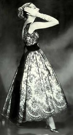 1950's......loving the clothes from this time in fashion history....