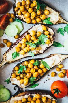 baked eggplant with tahini sauce, crispy and spicy chickpeas, parsley and mint - melanzane arrostite con salsa al tahini, ceci croccanti speziati, prezzemolo e menta
