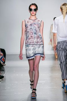 A look from the Suno Spring 2015 RTW collection.