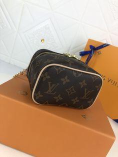 NICE VANITY MAKE UP (4) Lv Tote, Beauty Essentials, Monogram Canvas, Cowhide Leather, Dust Bag, Vanity, Make Up, Zip, Stylish