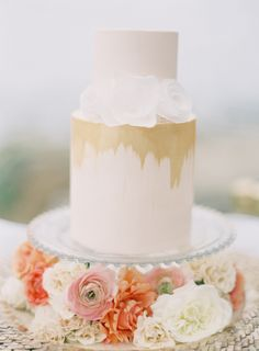 California Beach Wedding | cakes by Hey There, Cupcake! | photo by Ashley Kelemen Photography