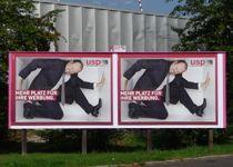 Mehr Platz für Plakate fordert USP Werbung im Rahmen einer Eigenkampagne. Motto, Baseball Cards, Poster, Frame, Advertising, Posters, Billboard