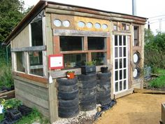 great garden shed -- all recycled building materials! great garden shed -- all recycled building mat Allotment Shed, Allotment Ideas, Allotment Gardening, Storing Garden Tools, Shed Homes, Shed Design, Construction, Shed Storage, Home Jobs