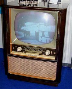 Graetz black/white tv set. Kurfürst F371 with radio set unit. 1960