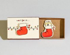 Liebe Weihnachtskarte - es warten... Miau Dieses Angebot ist für einen Urlaub Weihnachten Gruß Streichholzschachtel. Jede Grußkarte Streichholzschachtel wird von Hand aus einer echten Streichholzschachtel und eignen sich hervorragend zum Senden von Nachrichten an Ihre Freunde und lieben.