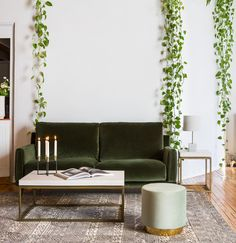 The Best Sofa Small Spaces Ideas Sofas For Small Spaces, Small Sofa, Home Living Room, Living Room Decor, Living Spaces, Living Room Inspiration, Interior Design Inspiration, Green Velvet Sofa, Reno