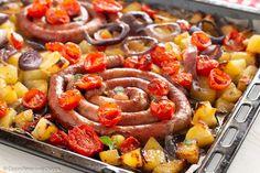 SALSICCE ALLA SICILIANA piatto unico facile e veloce - CuciniAmo con Chicca Meat Recipes, Cooking Recipes, Sicilian Recipes, Bruschetta, Sausage, Pork, Food And Drink, Pasta, Olive