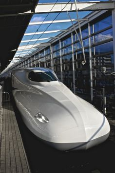 Japanese bullet train -Shinkansen- I want to ride this! Locomotive, Japan Train, Rail Train, High Speed Rail, Rail Transport, Speed Training, Train Tracks, Japanese Culture, Train Station