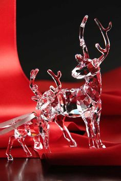 Swarovski 2015 Stag Ornament Swarovski Ornaments, Swarovski Crystal Figurines, Swarovski Crystals, Crystal Decor, Clear Crystal, Cut Glass, Glass Art, White Reindeer, Glass Figurines