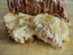 Apple Fritter Bread - layers of fluffy dough, bite-sized apple pieces, and a glaze to top it off! :) <3