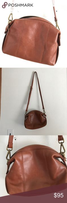 "Madewell mini Glasgow crossbody bag Madewell mini Glasgow crossbody purse. 100% leather in the prettiest shade of tan. Removable, fully adjustable strap and brass hardware detailing. Zipper closure at top. Fully lined inside with one small zipper pocket. Used 2-3 times- in perfect condition. Perfect for the essentials. 6 3/5"" H, 9 1/2"" W, 4"" D. I love this purse, but I'm about to have a baby and don't use crossbody purses as much these days. **PRICE IS NON-NEGOTIABLE- priced as low as I will…"