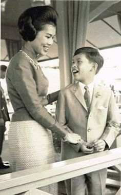 Long Live Their Majesties, Her Majesty the Queen , His Royal Highness Crown Prince Maha Vajiralongkorn.